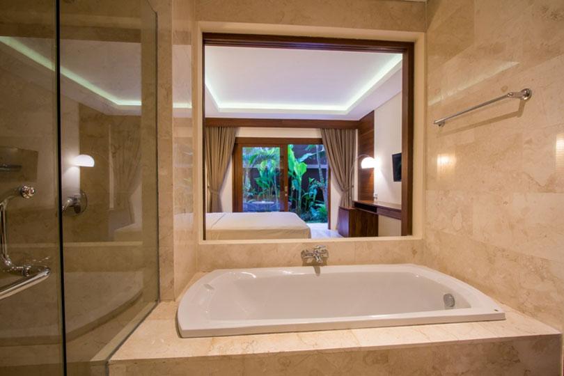 bathroom-deluxe-room-4