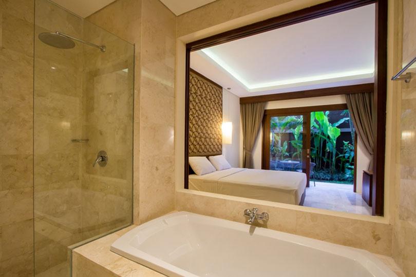 bathroom-deluxe-room-7