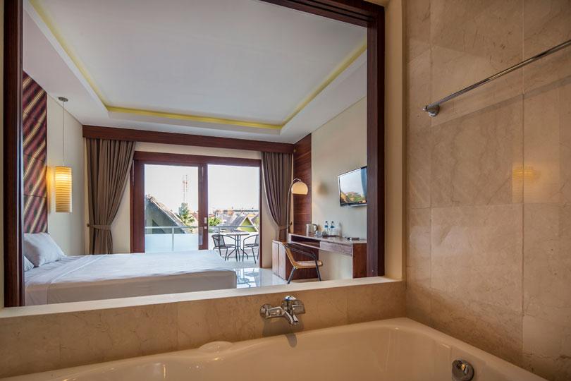 bathroom-deluxe-room-8