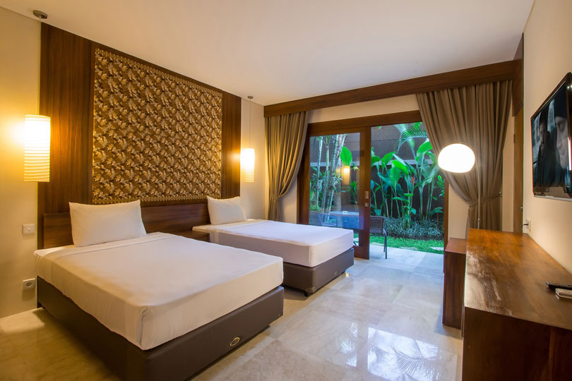 2-bedroom-seminyak-family-room-2