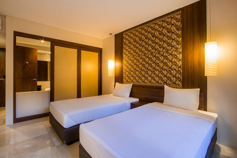 2-bedroom-seminyak-family-room-4