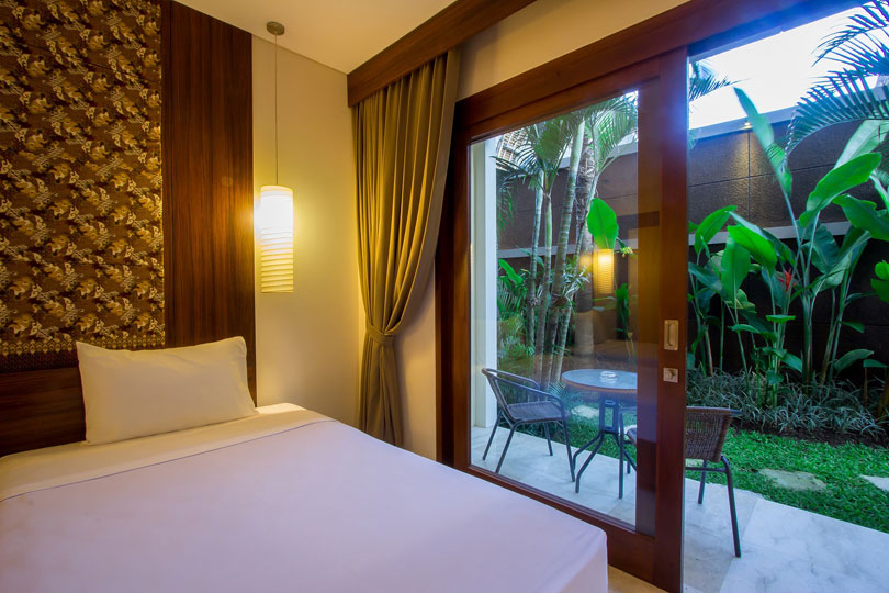 2-bedroom-seminyak-family-room-6