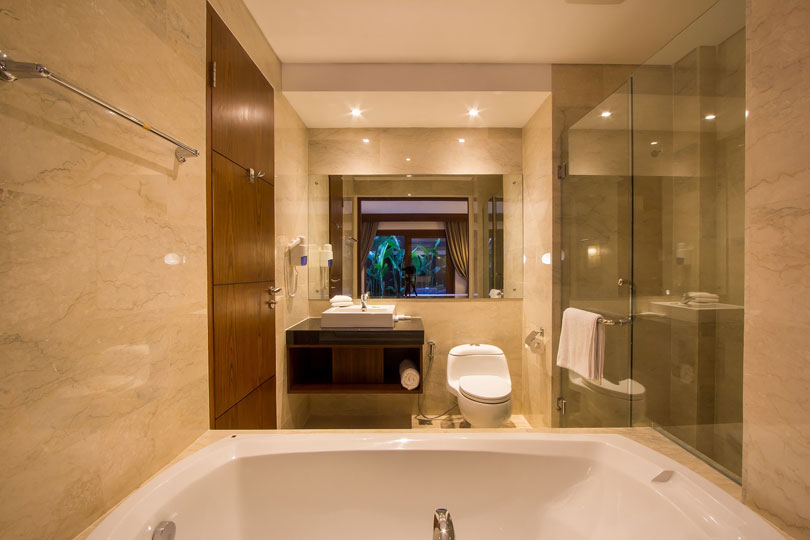 bathroom-2-bedroom-seminyak-family-room-1